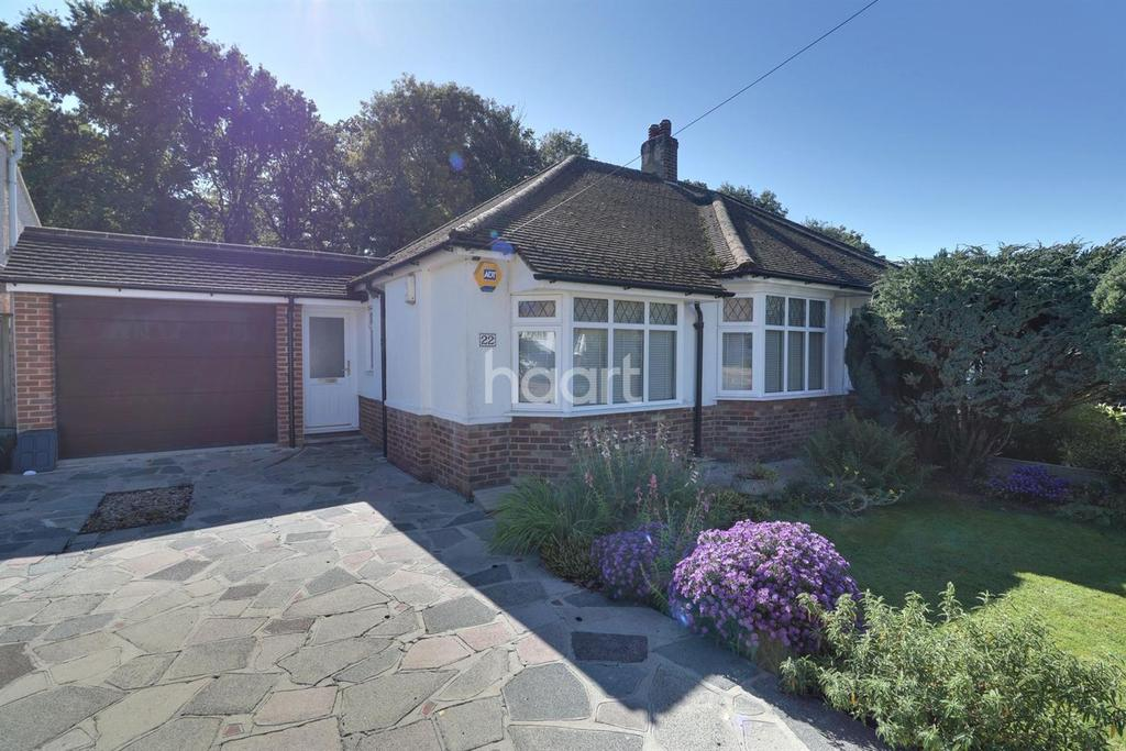 3 Bedrooms Bungalow for sale in Rusland Avenue, Orpington