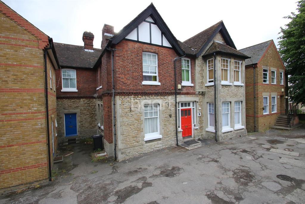 Studio Flat for sale in London Road, Maidstone, Kent, ME16