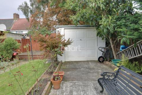 4 bedroom semi-detached house for sale - Hawthorn Avenue, Thornton Heath, CR7