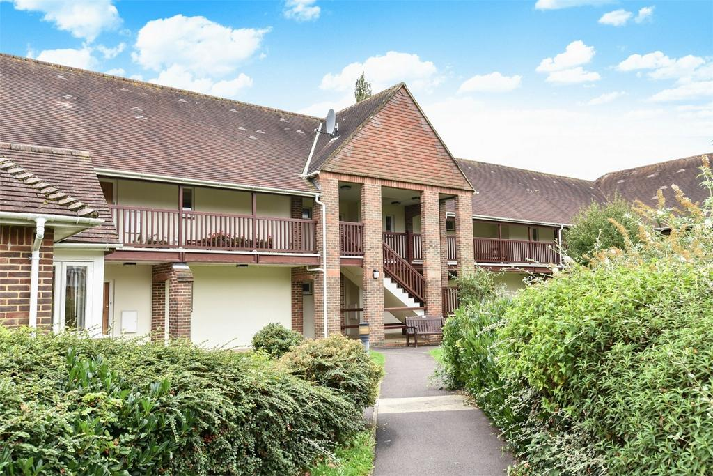2 Bedrooms Retirement Property for sale in Alton, Hampshire