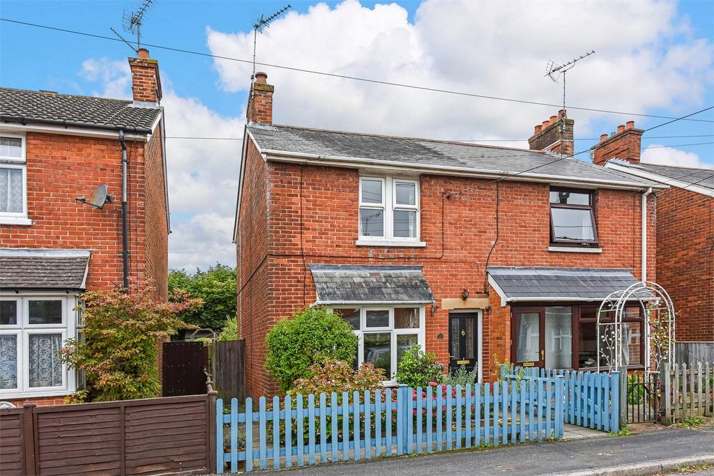 3 Bedrooms Semi Detached House for sale in Kingsland Road, Alton