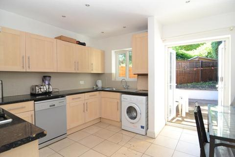 3 bedroom house to rent - Latchmere Road, SW11