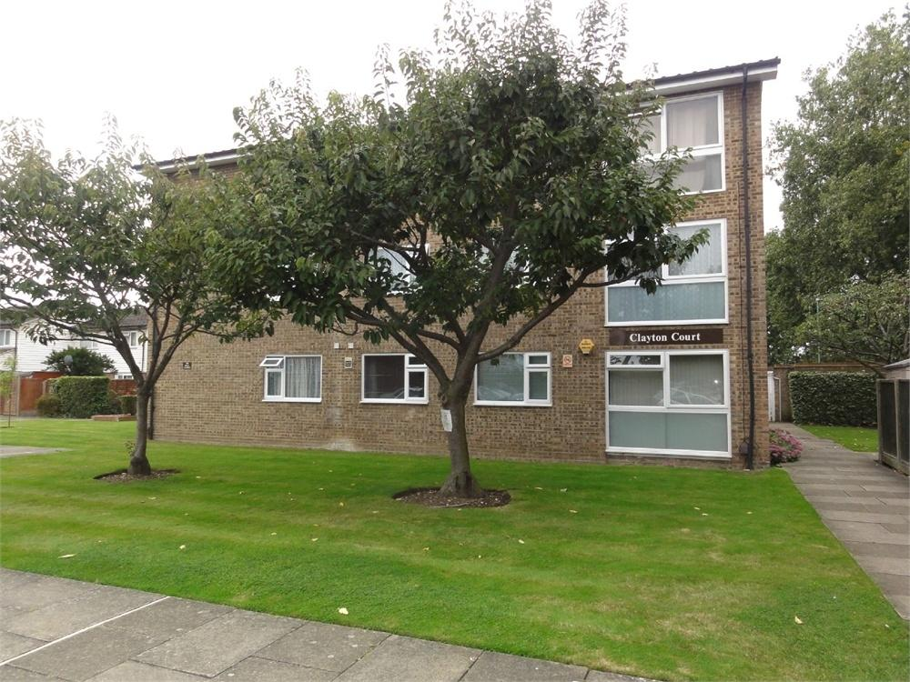 1 Bedroom Flat for sale in 8 Twickenham Close, CROYDON, Surrey