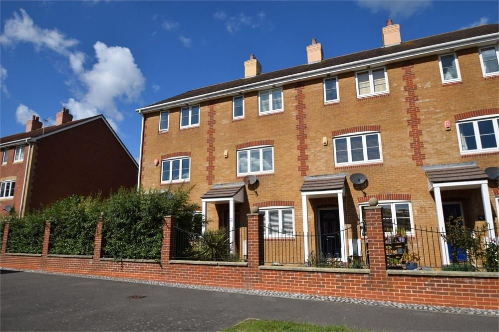 3 Bedrooms Town House for sale in Phoenix Drive, North Harbour, East Sussex