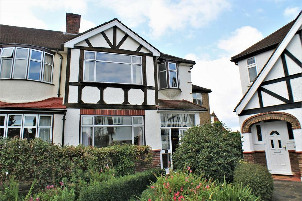 4 Bedrooms End Of Terrace House for sale in Priory Close, Beckenham
