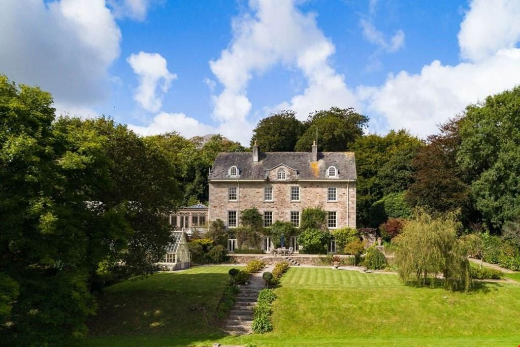 7 Bedrooms Detached House for sale in Mawgan-in-Meneage, South of the Helford River, Nr. Helston,Cornwall, TR12