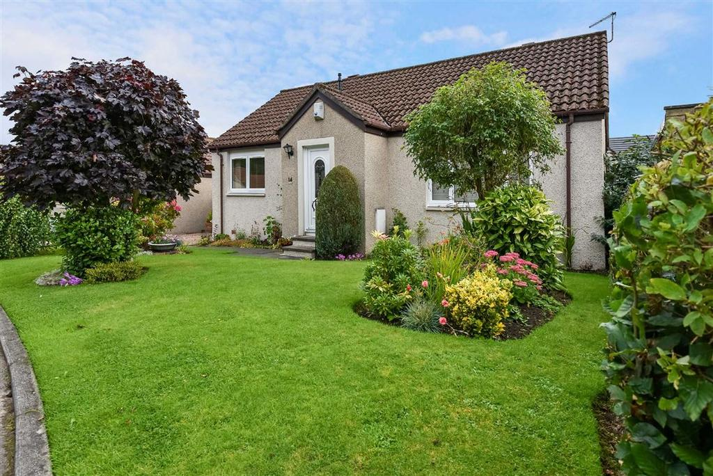 3 Bedrooms Bungalow for sale in Cameron Drive, Falkland
