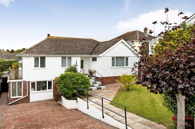 3 Bedrooms Detached Bungalow for sale in Ashleigh Park, Teignmouth