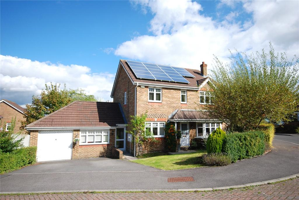 4 Bedrooms Detached House for sale in Lime Kiln Way, Salisbury, Wiltshire, SP2