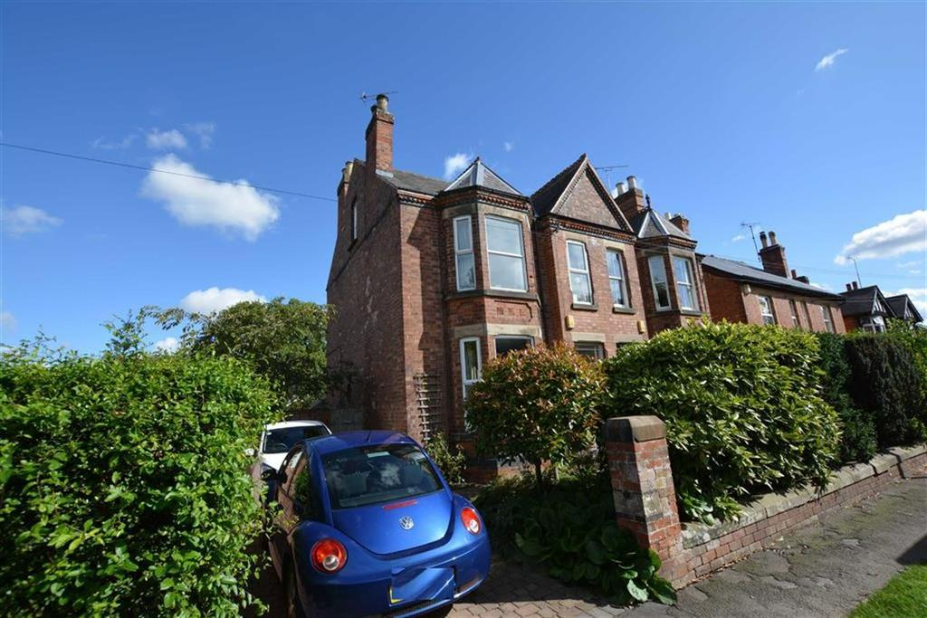 4 Bedrooms Semi Detached House for sale in Newark Road, Southwell, Nottinghamshire, NG25