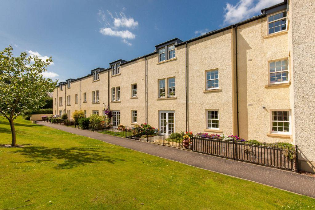 2 Bedrooms Ground Flat for sale in 120/3 Willowbrae Road, Edinburgh, EH8 7HW