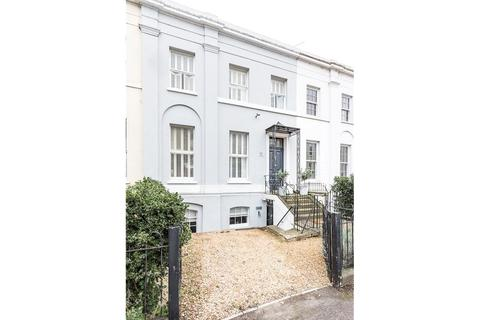 5 bedroom terraced house for sale - Hewlett Road, Cheltenham, Gloucestershire, GL52