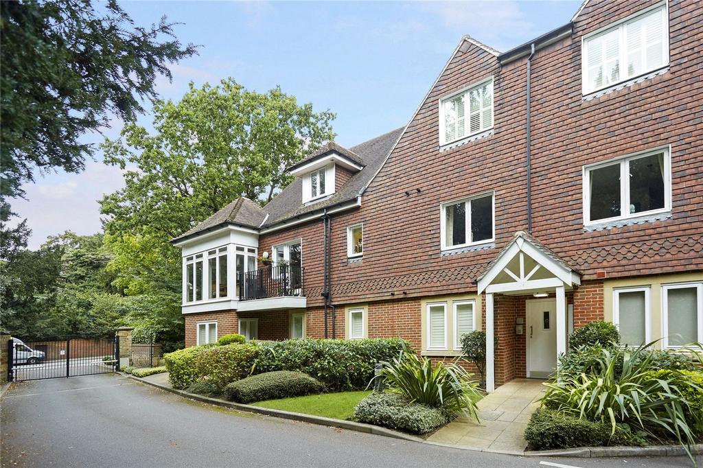 2 Bedrooms Flat for sale in Bellingham Drive, Reigate, Surrey, RH2