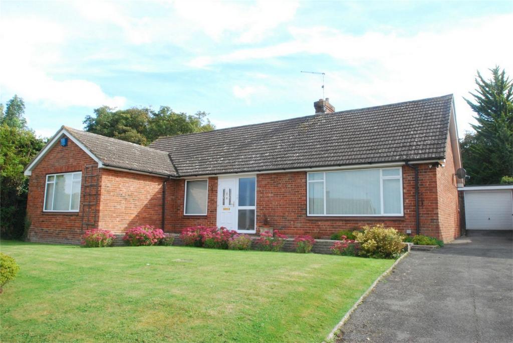 3 Bedrooms Detached Bungalow for sale in Harrietsham