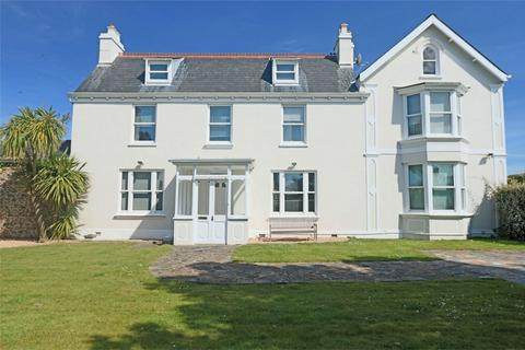7 bedroom detached house for sale - Grove House, Route Militaire, St Sampson's