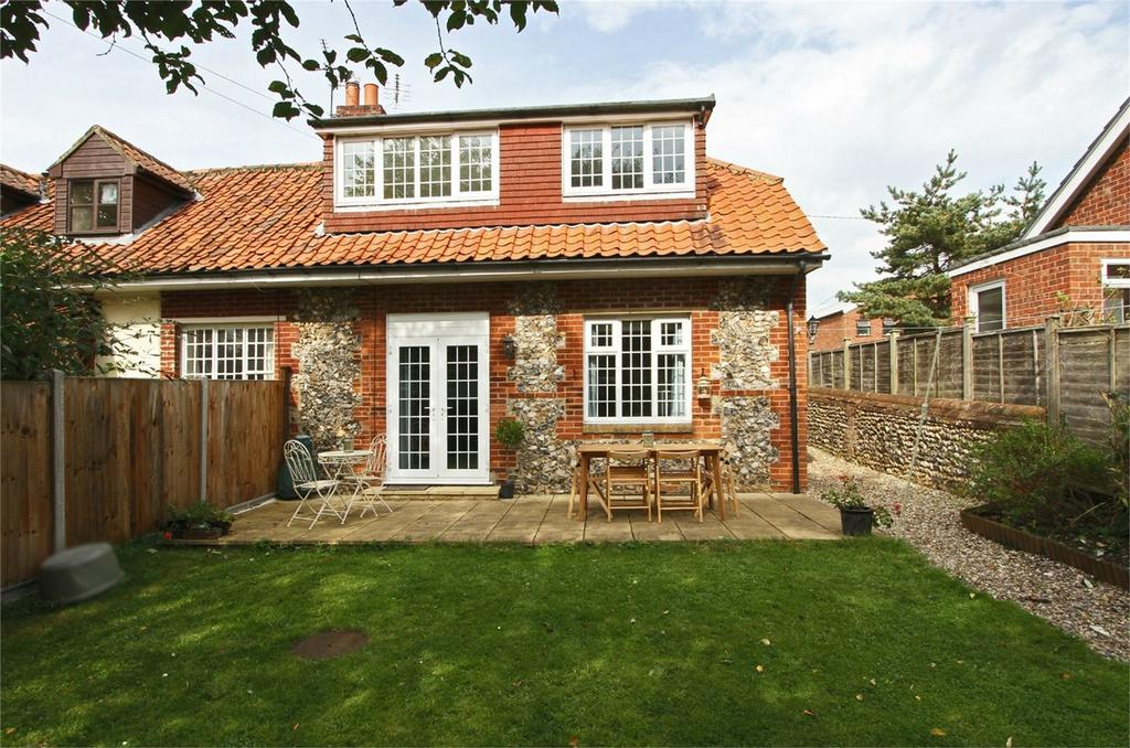 3 Bedrooms Cottage House for sale in School Cottage, The Street, Billingford, Norfolk