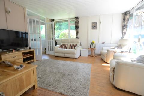 3 bedroom bungalow to rent - Segal Close Forest Hill SE23