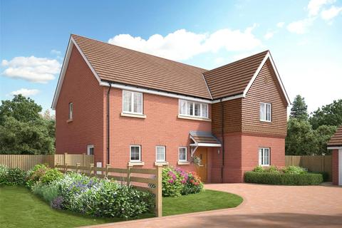 4 bedroom detached house for sale - Langland Place, Roydon, Essex, CM19