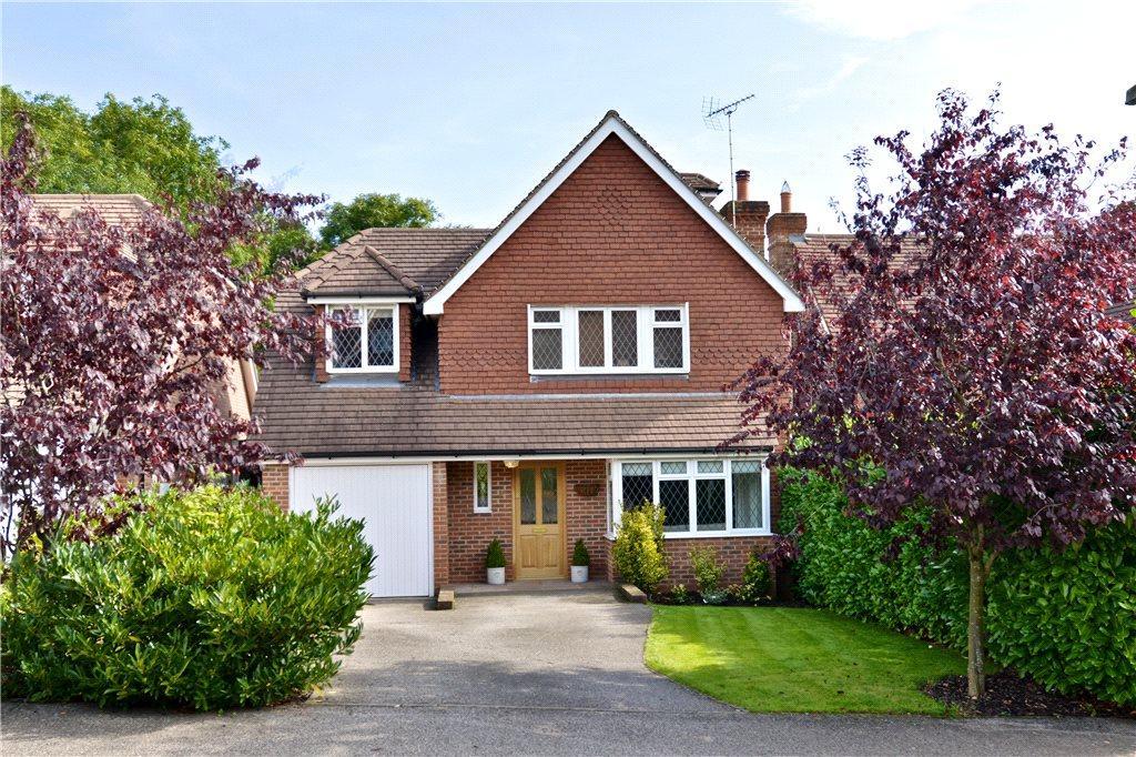 5 Bedrooms Detached House for sale in Aris Way, Buckingham, Buckinghamshire