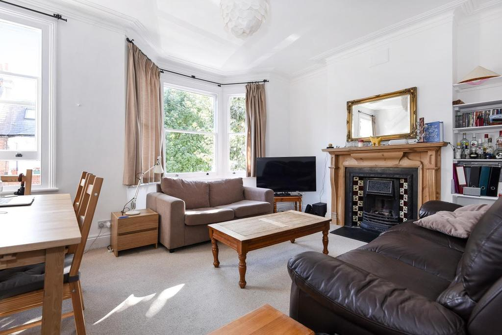 3 Bedrooms Flat for sale in Cotleigh Road, West Hampstead