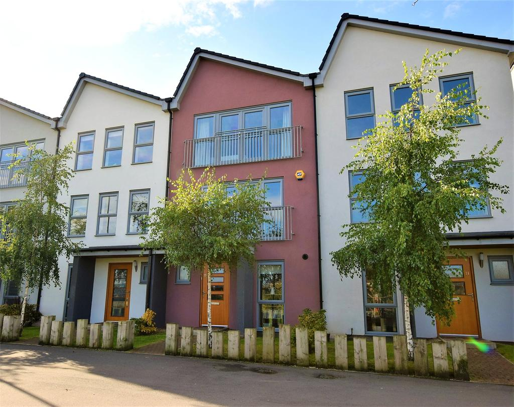 4 Bedrooms Terraced House for sale in Winters Pass