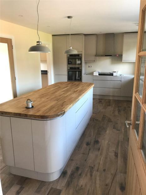 3 Bedrooms Detached Bungalow for sale in 78 Holt Road, Horsford