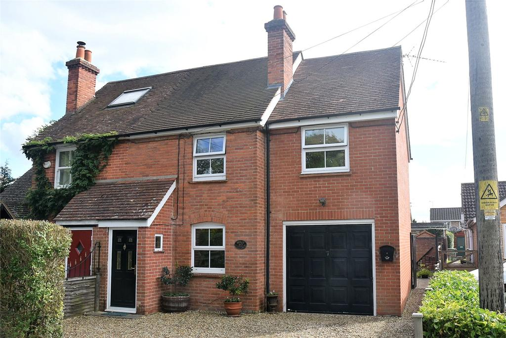 3 Bedrooms End Of Terrace House for sale in Silchester Road, Pamber Heath, Tadley, Hampshire, RG26