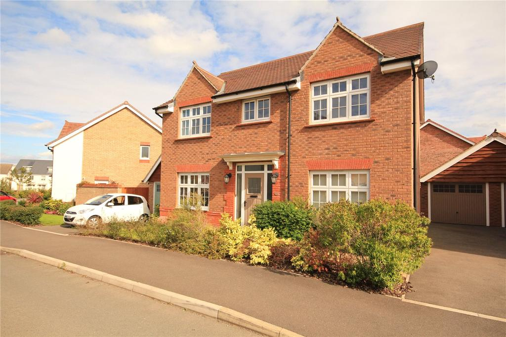 4 Bedrooms Detached House for sale in Long Wood Road, Cheswick Village, Bristol, BS16