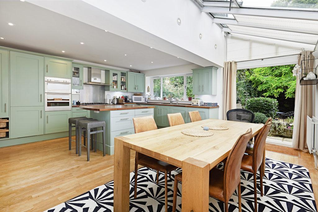 5 Bedrooms Semi Detached House for sale in Prebend Gardens, Chiswick, London, W4