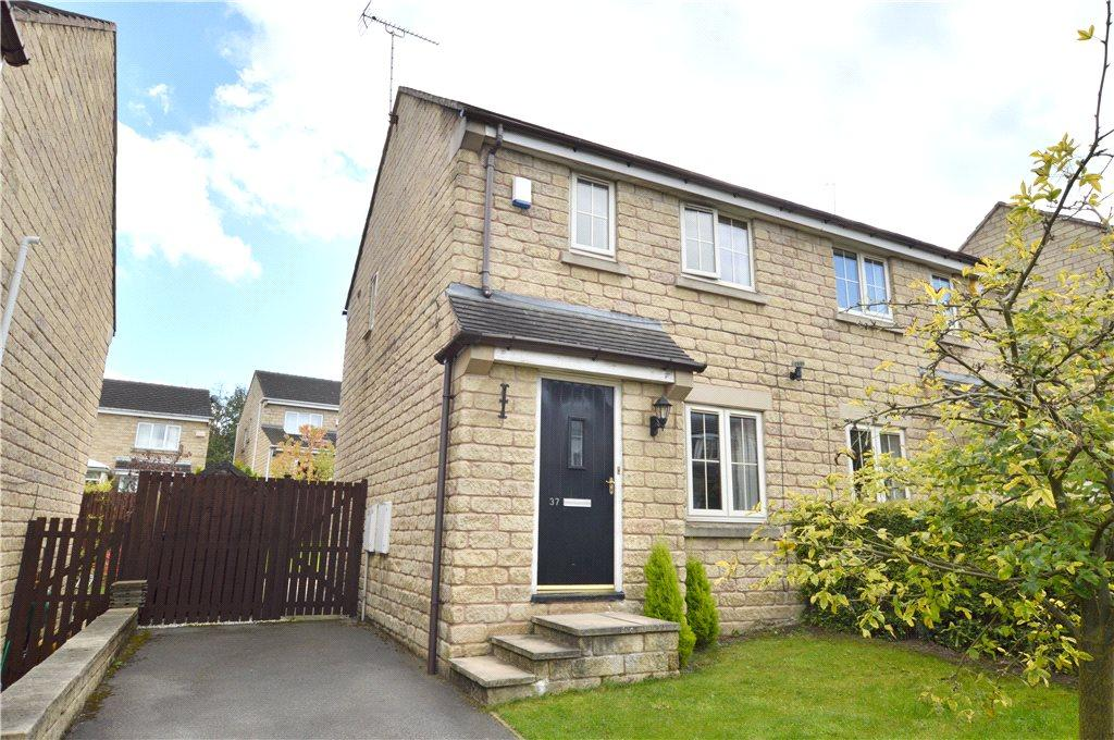 2 Bedrooms Semi Detached House for sale in Royd Moor Road, Tong, Bradford