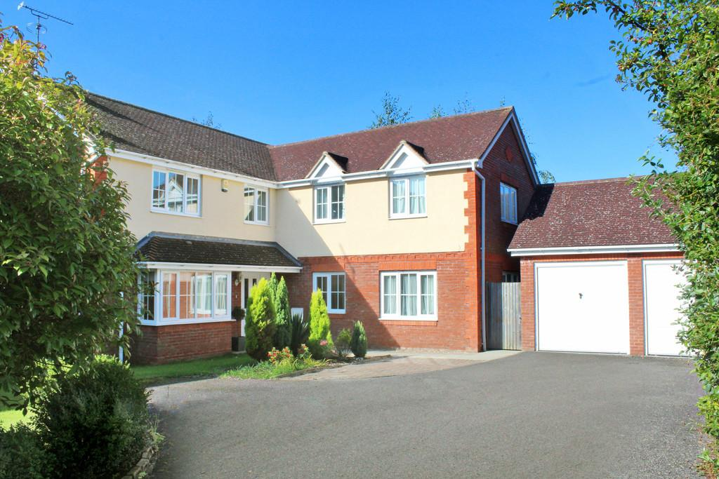 5 Bedrooms Detached House for sale in Covert Mead, Ashington