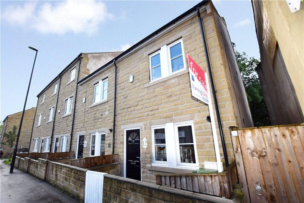 3 Bedrooms Terraced House for sale in Town Street, Armley, Leeds, West Yorkshire