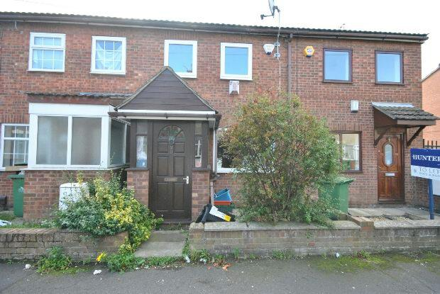 2 Bedrooms Terraced House for sale in Grafton Street, Grimsby