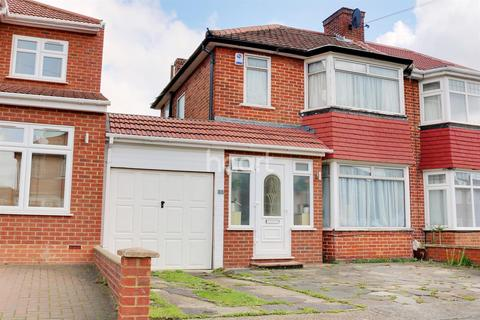 3 bedroom semi-detached house for sale - Derwent Crescent, Stanmore, HA7