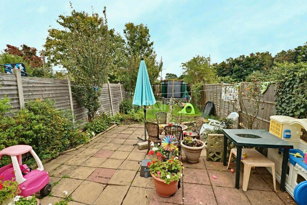 4 Bedrooms Terraced House for sale in Galpins Road, Thornton Heath, CR7