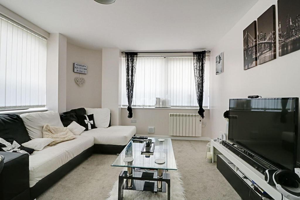 1 Bedroom Flat for sale in Bentham Close, Westlea, Swindon