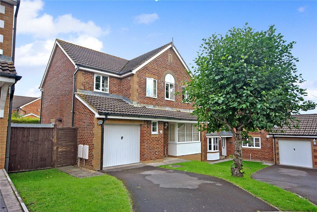 4 Bedrooms House for sale in Redstart Road, Chard, Somerset, TA20