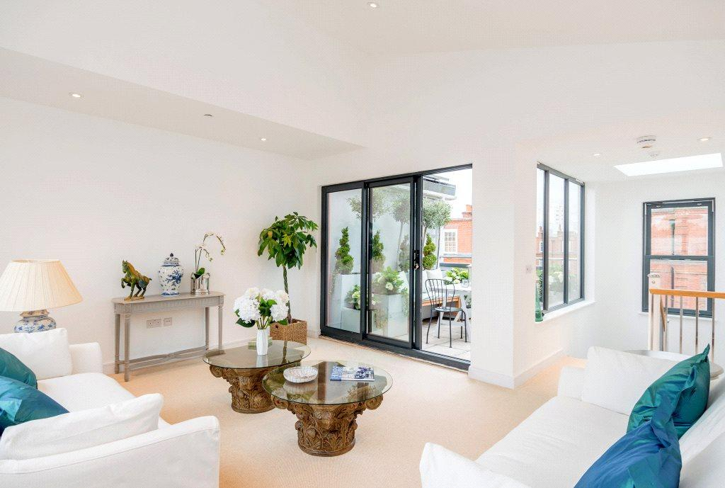 3 Bedrooms House for sale in Raffles Mews, 12 Farm Lane, London