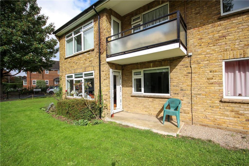 2 Bedrooms Flat for sale in Grove Road, Harpenden, Hertfordshire