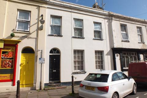 1 bedroom flat for sale - Close to Pittville Park