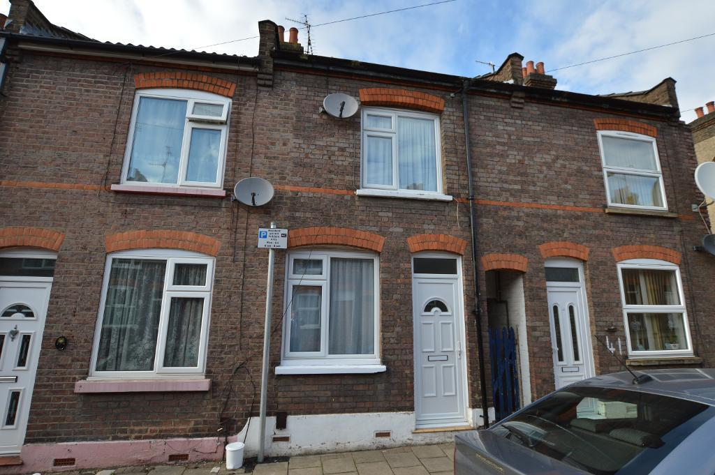 3 Bedrooms Terraced House for sale in Ridgway Road, Luton, LU2 7RP