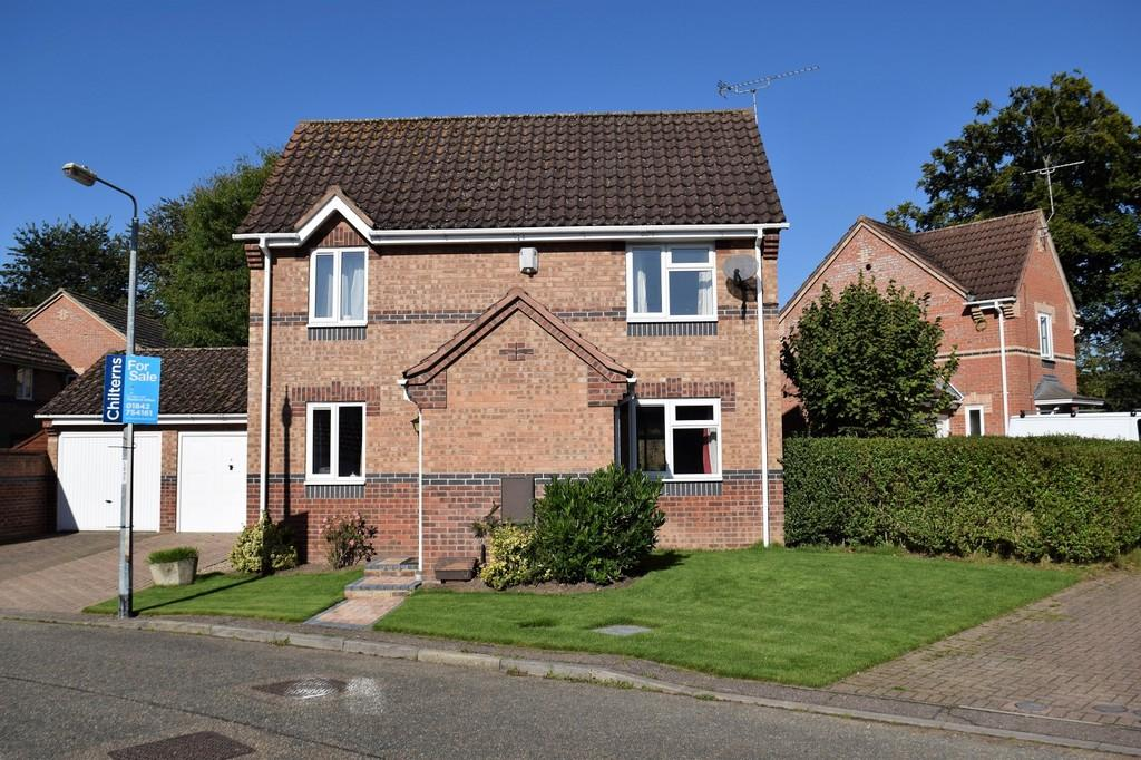 3 Bedrooms Detached House for sale in Teasel Drive, Thetford