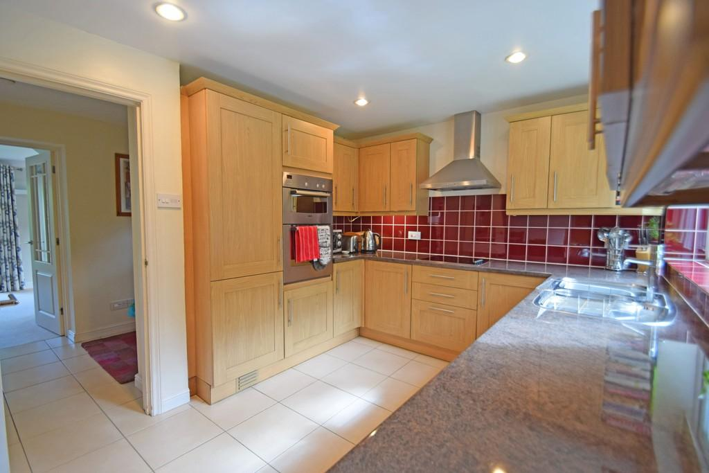 4 Bedrooms Semi Detached House for sale in Blackheath Lane, Wonersh, Guildford GU5 0PN