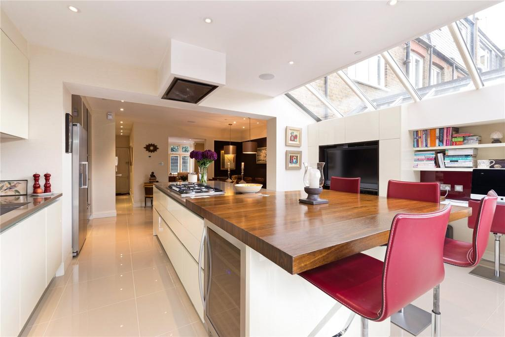 4 Bedrooms Terraced House for sale in Clancarty Road, South Park, Fulham, London, SW6