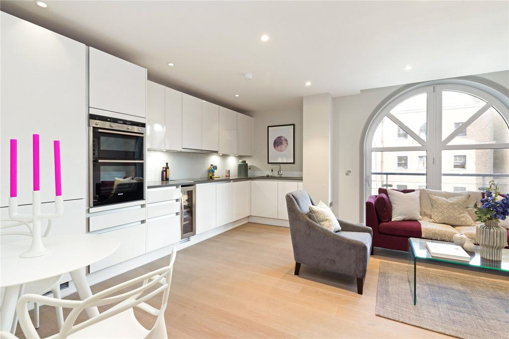 2 Bedrooms Flat for sale in Ivory House, Plantation Wharf, London, SW11