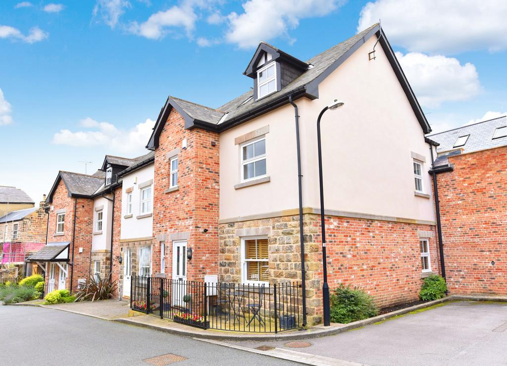 3 Bedrooms Town House for sale in St Peter's Square, Harrogate