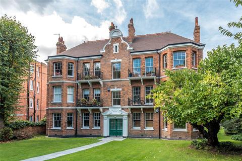 3 bedroom flat for sale - Highbury Court, 15A Highbury Crescent, London, N5