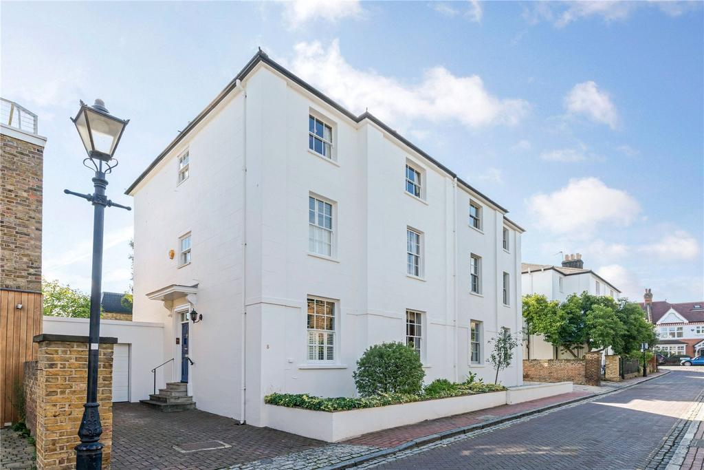 6 Bedrooms Semi Detached House for sale in Parkfields, Putney, London, SW15