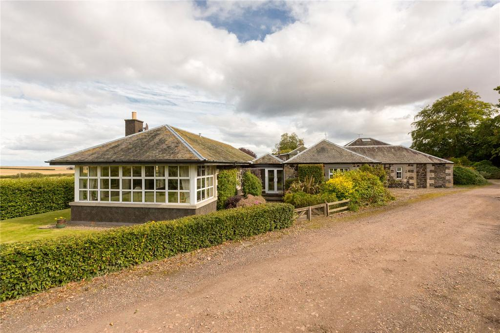 4 Bedrooms Semi Detached Bungalow for sale in Denbrae Cottage West, St. Andrews, Fife, KY16