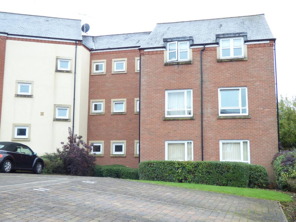 2 Bedrooms Apartment Flat for sale in Addison Drive, Stratford upon Avon